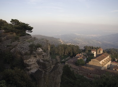 Church of Sant Miquel and Sierra of La Mussara  (© Miguel Raurich)