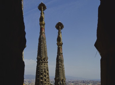Aerial view of the central nave and towers of the basilica of the Sagrada Familia (© Imagen M.A.S.)