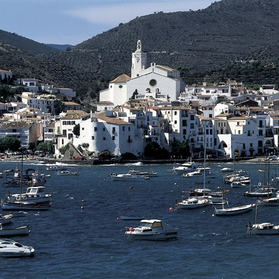 General view of the town of Cadaqués    (© Marc Ripol)