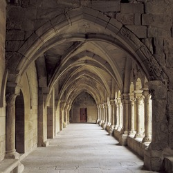Romans, monasteries and Gaudí. An incredible route through history and art